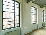 Groe Loft Fenster In Gerumigen Industrie Stil Fabrik Lizenzfreie pertaining to measurements 866 X 1300